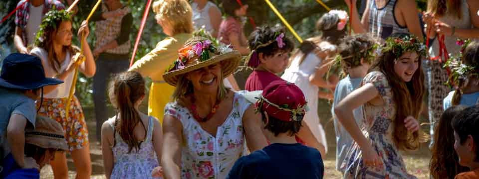 Spring-Festival-dancing